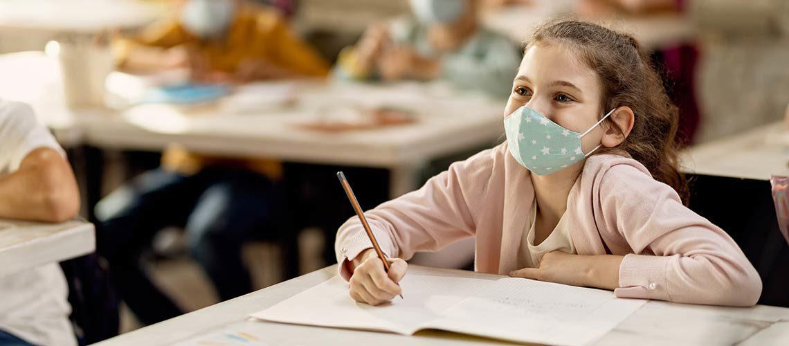 """Indicadores """"pós-pandemia"""" nas escolas são favoráveis, mas concessão de bolsas permanece um desafio"""